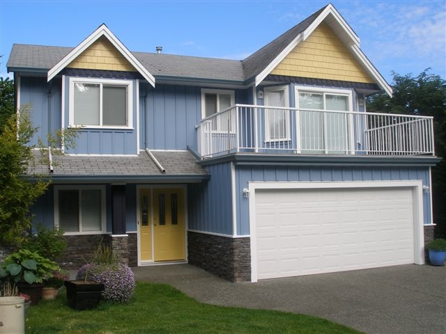 Exterior House Painting by Riverside Painting, Nanaimo BC